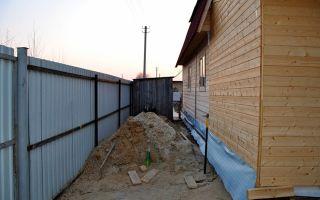 Что делать, если сосед построил дом на меже, куда можно обратиться?