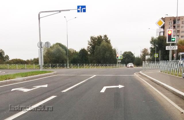 Выезд на встречную полосу при повороте налево на перекрестке