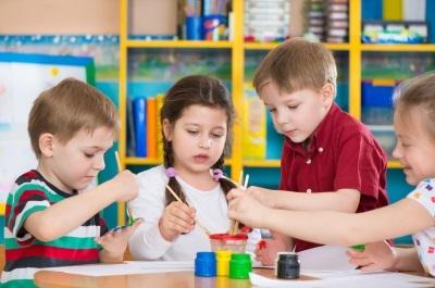 Нужна ли прописка для поступления в школу или садик?