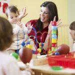 Входит ли декретный отпуск в педагогический стаж и какие периоды засчитываются?