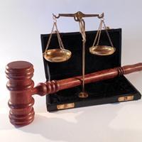 Как подать в суд на страховую компанию по ОСАГО?