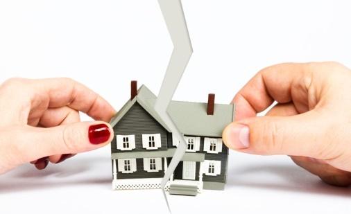 Как делится квартира, купленная на материнский капитал, при разводе?
