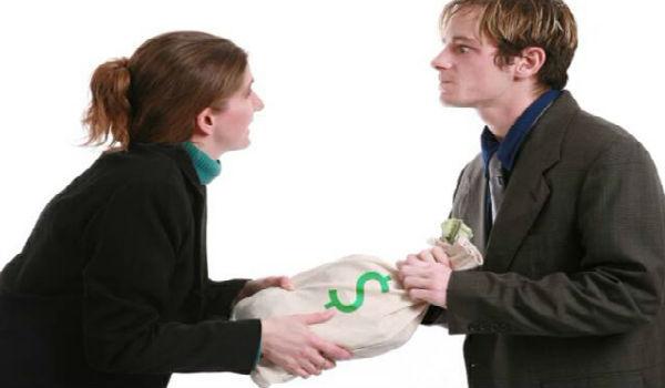 Могут ли приставы описать имущество жены по долгу мужа?