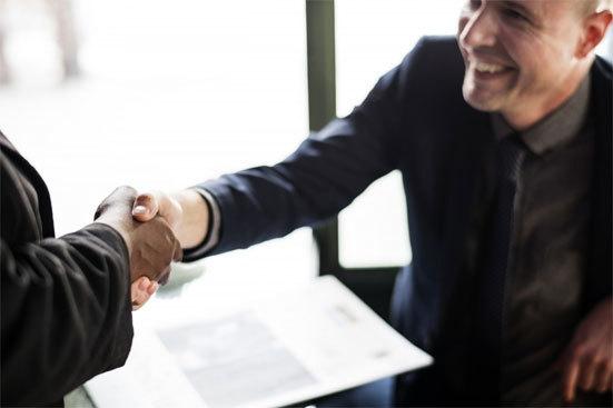 Отказ от работы в центре занятости: причины, последствия, оформление
