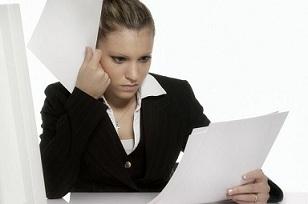 Имеет ли право работодатель не подписать заявление на увольнение?
