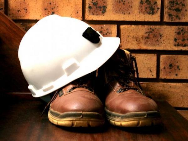 Как происходит оплата простоя по вине работодателя или работника в 2020 году?