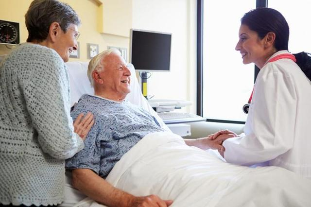 Как оформить доверенность на получение пенсии лежачему?