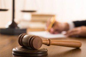 Как наказать работодателя за неофициальное трудоустройство?