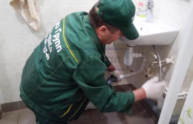 Засор канализации в многоквартирном доме - что делать?
