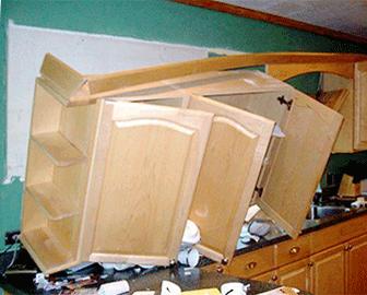 Что делать, если кухню установили с дефектами?