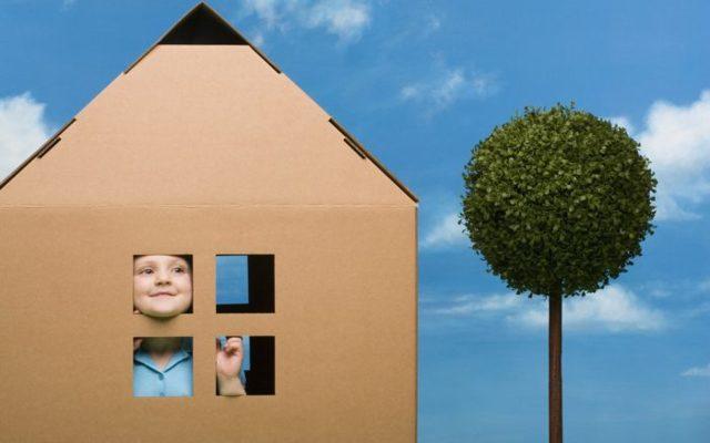 Может ли собственник выписать несовершеннолетнего ребенка из квартиры?