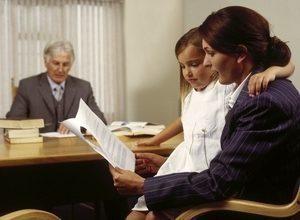 Кто вступает в наследство после смерти мужа - жена или дети?