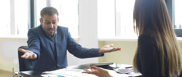 Что делать, если руководитель оскорбляет и унижает?