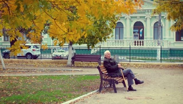 Могут ли уволить пенсионера с работы без его согласия?