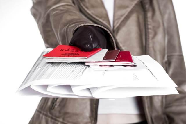 Исправления в трудовой книжке: как исправить, образец, примеры