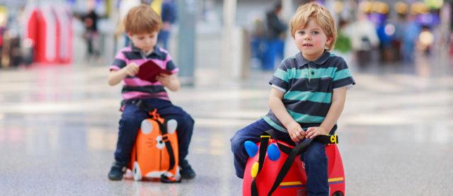 Нужна ли доверенность на ребенка по России и как ее составить?