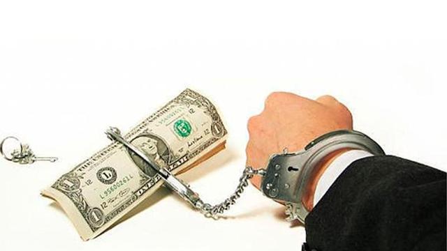 Могут ли приставы арестовать имущество по месту прописки должника?