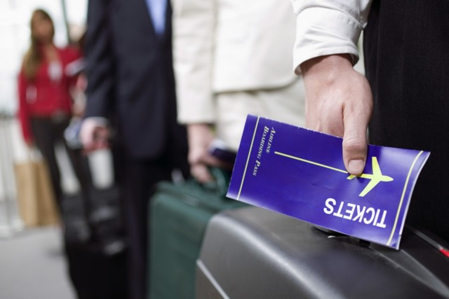 Возврат денег за путевку по закону: порядок действий
