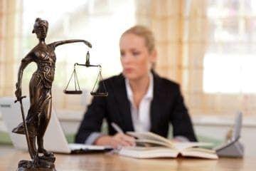 Имеет ли право работодатель штрафовать работника?
