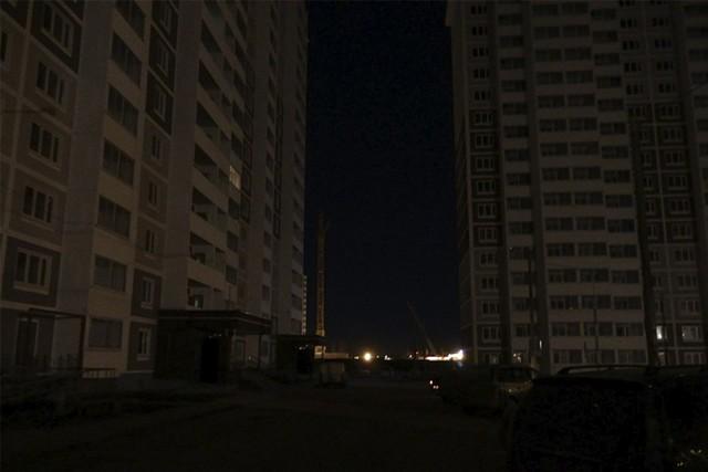 Во дворе не горят фонари, куда обратиться и как составить жалобу?