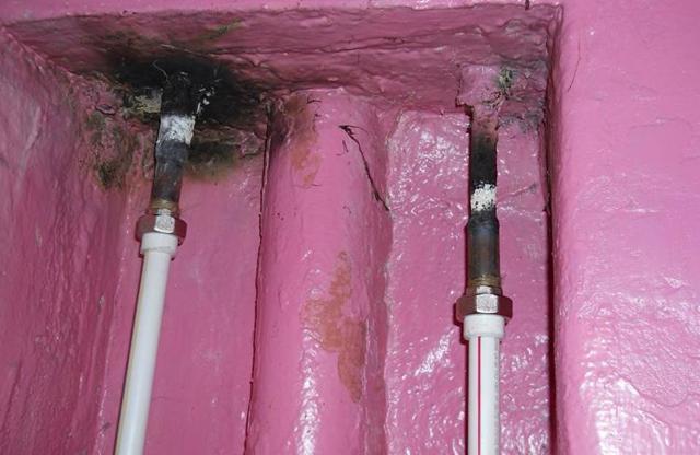 Течет стояк канализации - кто должен ремонтировать?