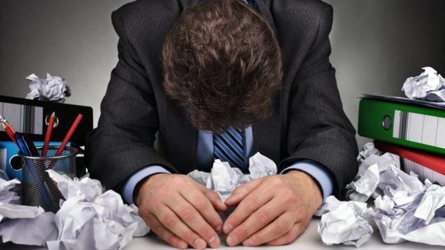 Поручитель при смене основного должника: когда освобождается от долгов, может ли банк взыскать, как отказаться от поручительства?