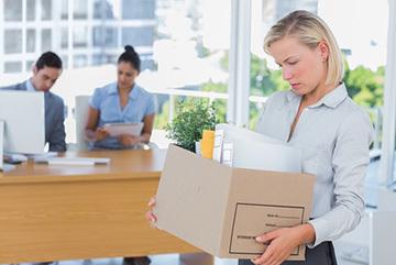 Увольнение по инициативе работодателя: причины, порядок