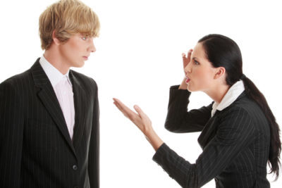 Увольнение в период испытательного срока: причины и порядок