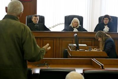 Как подать в суд на управляющую компанию ЖКХ?