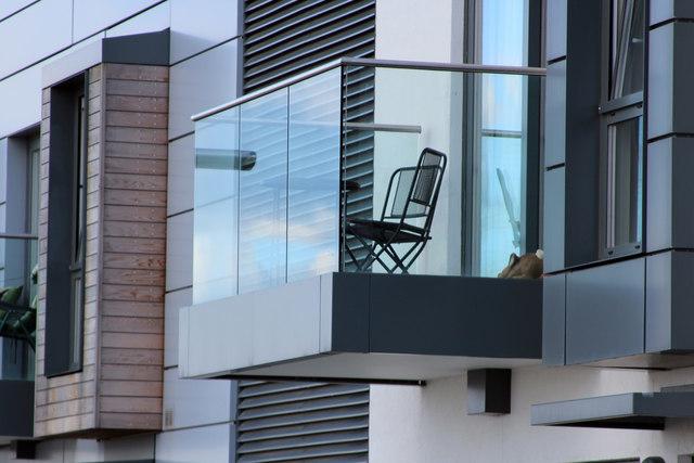 Как узаконить пристройку к многоквартирному дому правильно?