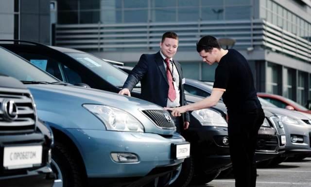 Возврат автомобиля в автосалон по закону о защите прав потребителей