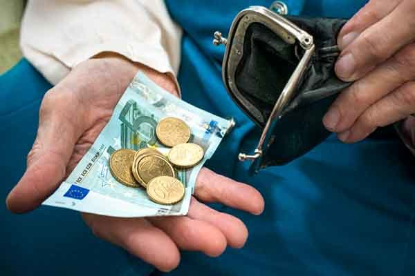 Может ли банк начислять проценты после решения суда о взыскании долга: как взыскивают задолженность, как исполняется процедура взыскания?