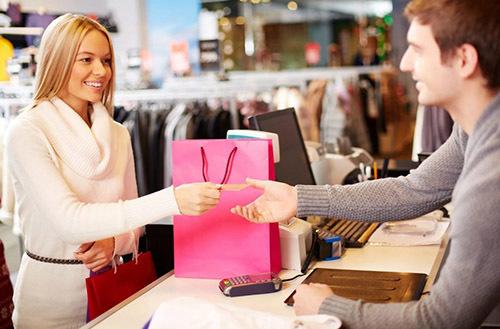Как вернуть в магазин непонравившуюся вещь по закону?