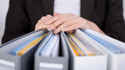 Какие документы нужны для получения декретных выплат и куда их следует подавать?