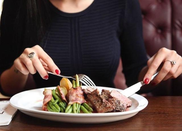 Что делать, если отравились в ресторане некачественной едой?