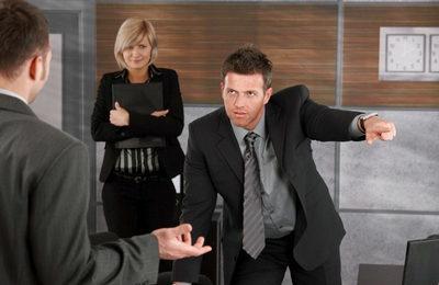 Принуждение к увольнению по собственному желанию