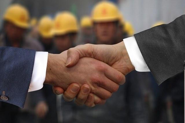 Какие права есть у работника при задержке выплаты заработной платы по законодательству?