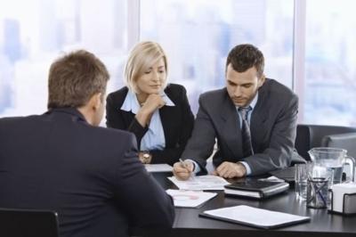 Кто платит госпошлину при продаже недвижимости: продавец или покупатель?