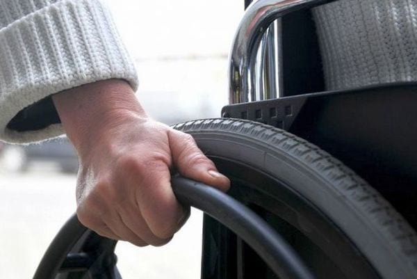 Можно ли работать при 1 группе инвалидности и на каких условиях?