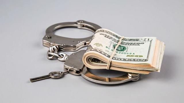 Могут ли коллекторы описать имущество должника?