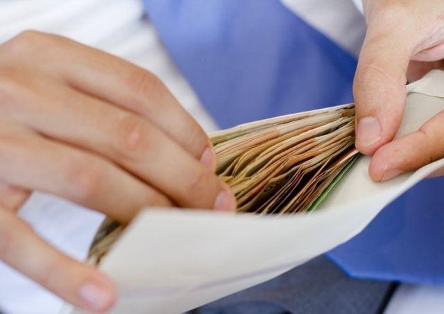 Как заставить работодателя выплатить черную зарплату?
