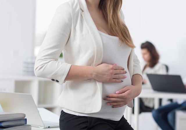 Увольнение беременной женщины за прогулы: ответственность
